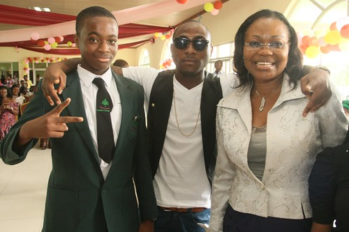 7733190878 237c4f24de Davido surprises the son of Nigerian Minister Of Aviation on Graduation day