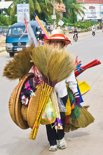 brush seller