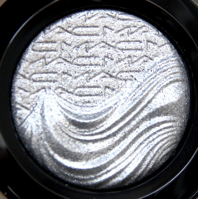 MAC Evening grey extra dimension eyeshadow2