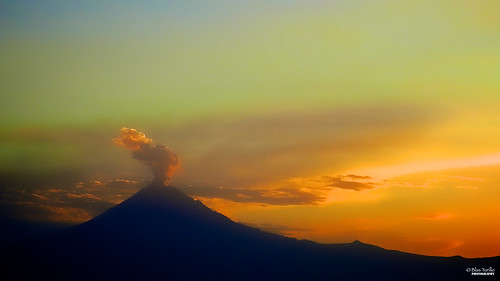 light sunset naturaleza luz nature méxico landscape mexico atardecer volcano nikon paisaje coolpix puebla popocatepetl fumarola p500 professionalphotography volcán popocatépetl nikonp500 nikoncoolpixp500 coolpixp500 fotografíaprofesional mexicanphotographers fotógrafosmexicanos