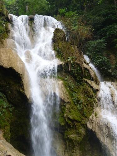 Kuang Si waterfall 5