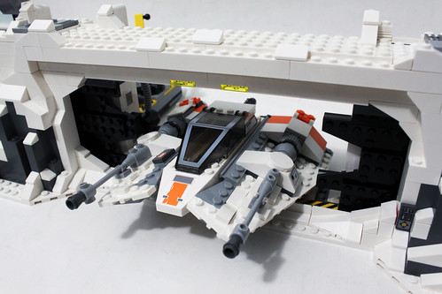 LEGO Star Wars UCS Assault on Hoth (75098)