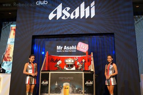 Mr Asahi, the world's first robotic bartender-002