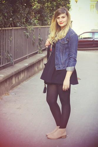 7035271179 c55e2d99b1 La petite robe noire & la veste en jean    Blog mode