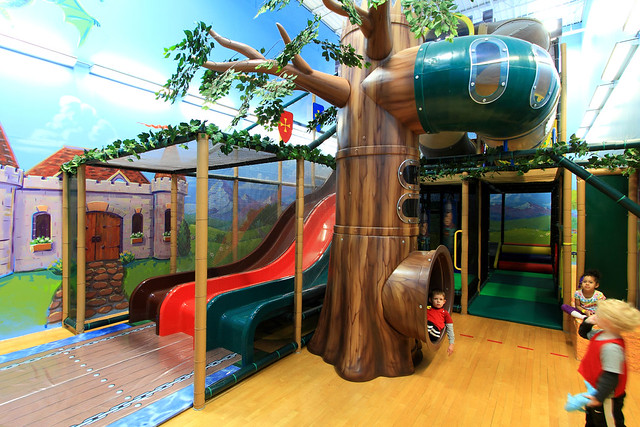 Kids indoor play area flickr photo sharing for Indoor play area for kids