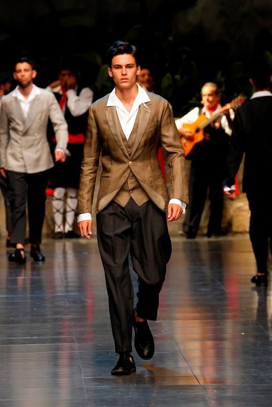 Dolce&Gabbana Men's Show SS 2013_3