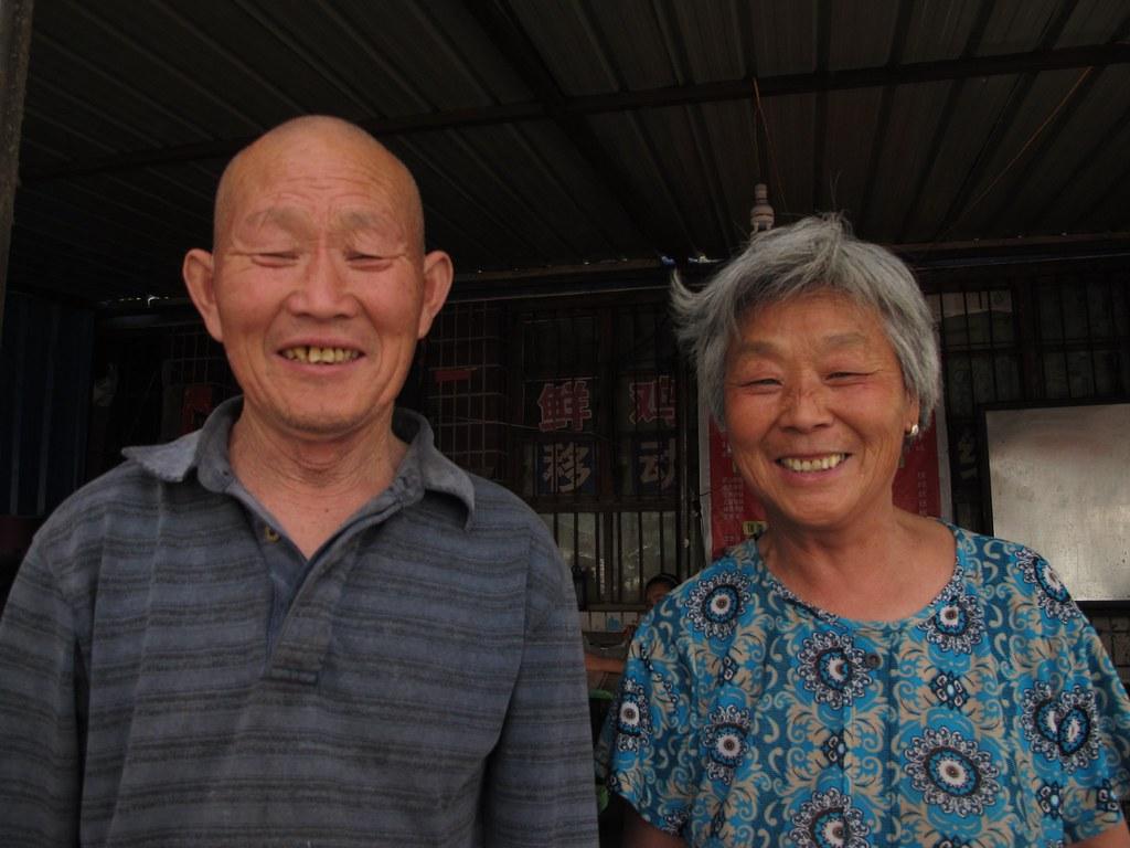 Ni hao! Kuqa (Xinjiang, Xina)