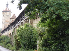An der Stadtmauer von Rothenburg o.d. Tauber
