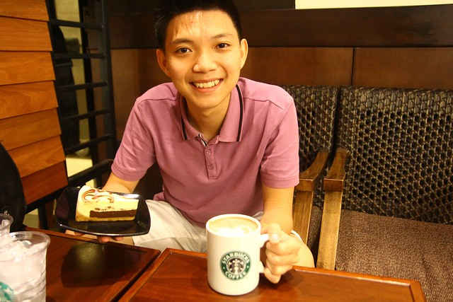 20th Birthday Eat Cake & Lovely Coffee @ Starbucks Coffee