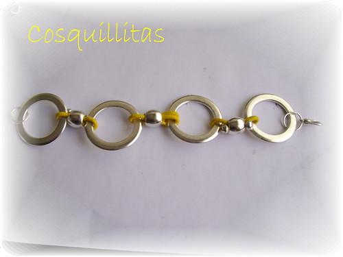 anillas y cuero amarillo by llaverito1979