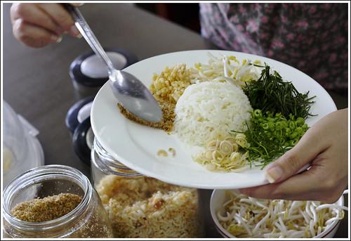 Preparing Khao Yam