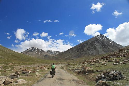 Climbing to the Wari La (5,312m)