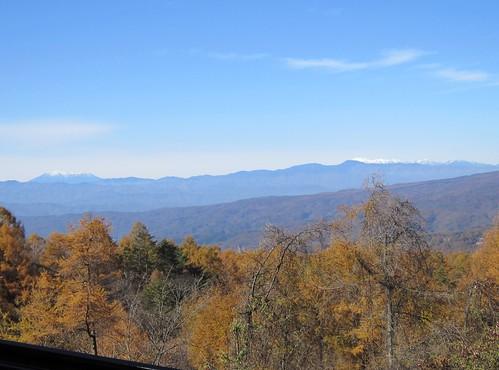 蓼科高原から望む木曽御嶽山と乗鞍岳 2012年11月4日10:13 by Poran111