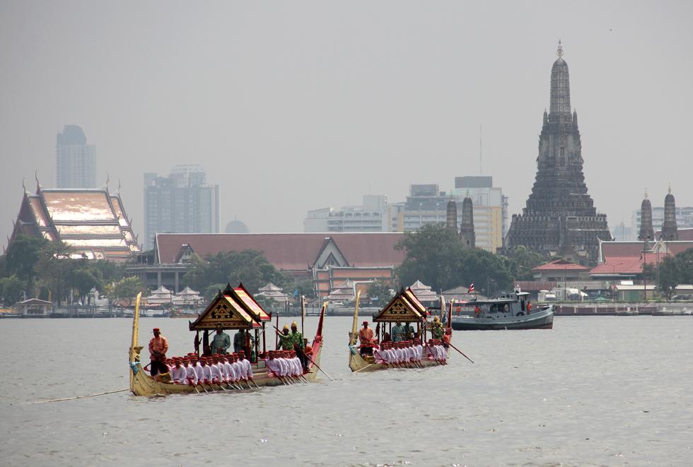 Bangkok aujourd'hui - Page 6 8165548297_bd1b69eecf_o