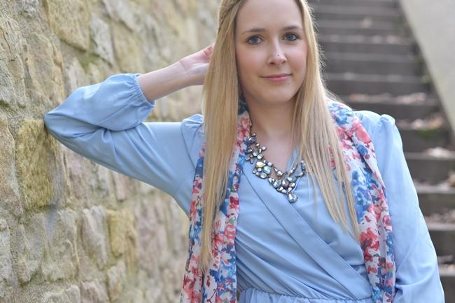 Outfit babyblaues Kleid (5)