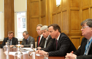 PM meets members of Alzheimer's Society