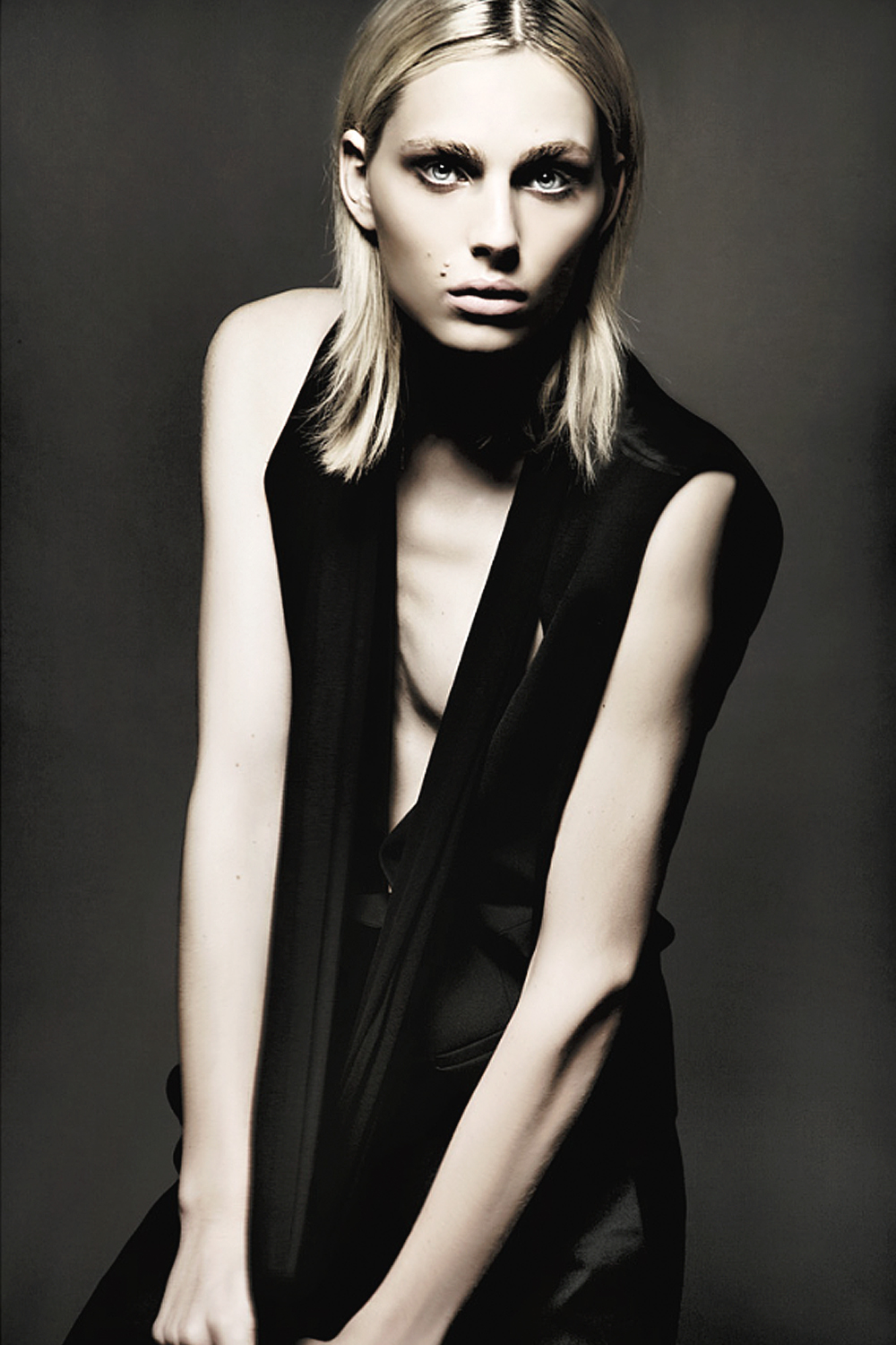 Andrej Pejic0610_Ph Mathew Guido
