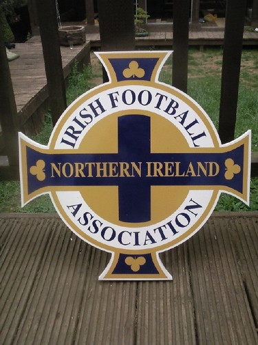 NORTHERN IRELAND FC WALL PLAQUE