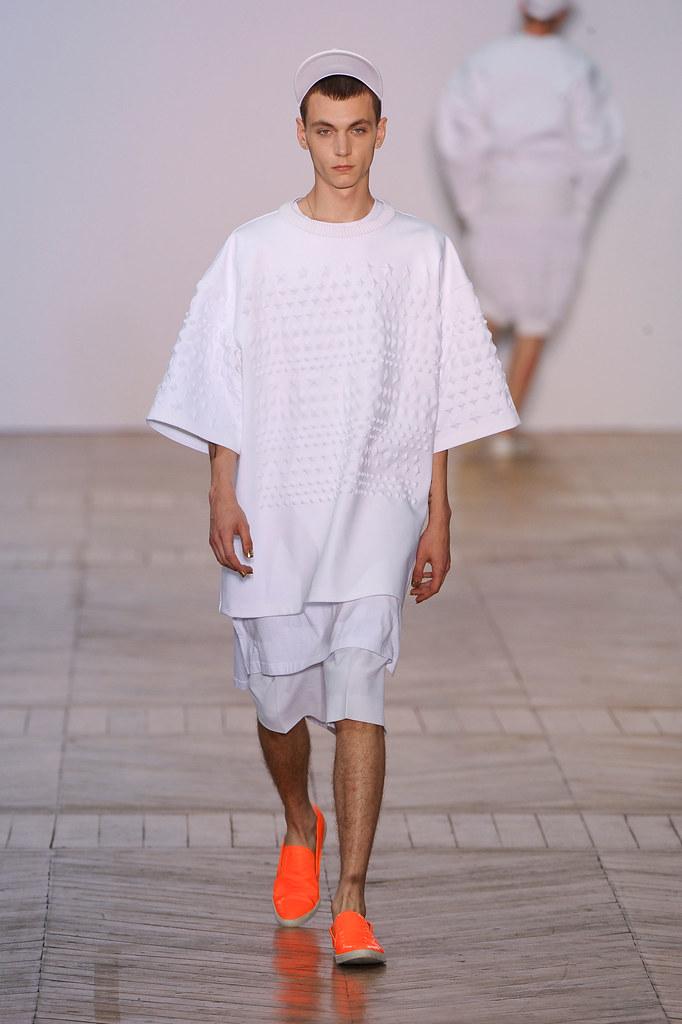 SS13 Paris Juun J.034_Yuri Pleskun(fashionising.com)