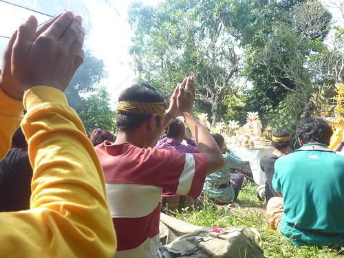 Bali-Funéraille hindoues-Après la crémation (1)