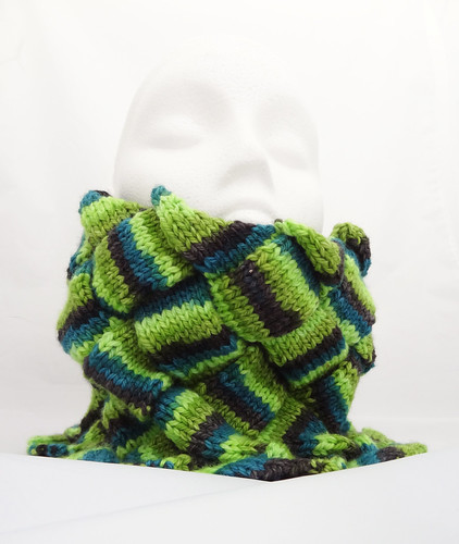 Entrelac Neck Warmer 03