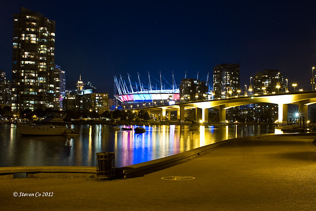 Vancouver landmarks: Harbour center, Grouse mtn, and BC place IMG_3452-2
