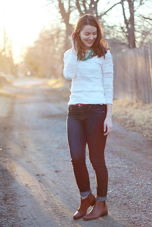 lace-shirt-jeans-2