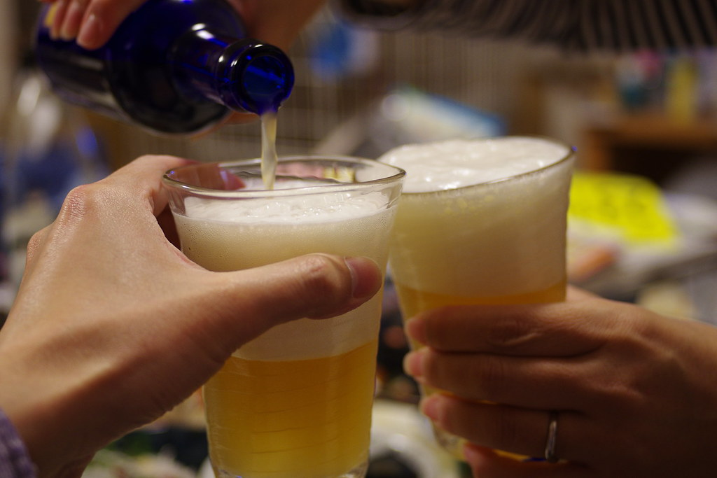 乾杯しながら注ぐ