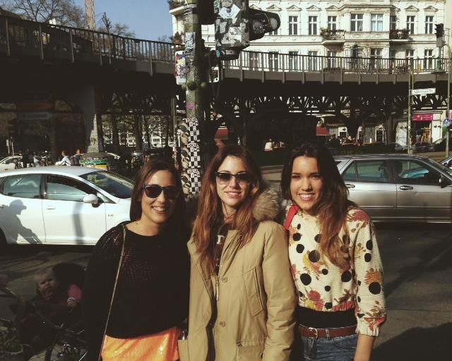 foto con Blanca Suárez, Alba y Belén después del rodaje de Perdiendo el Norte