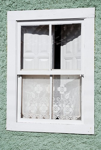 handmade crochet curtain by good mood factory / Anita Damas