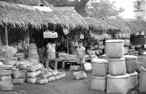 Woven basket market in the Philippines, post war 1940s