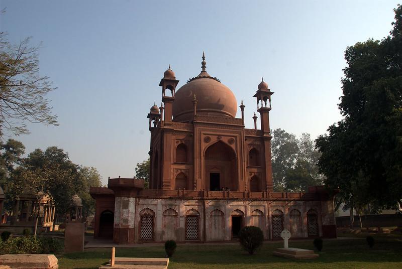 Lal (Red) Taj Mahal