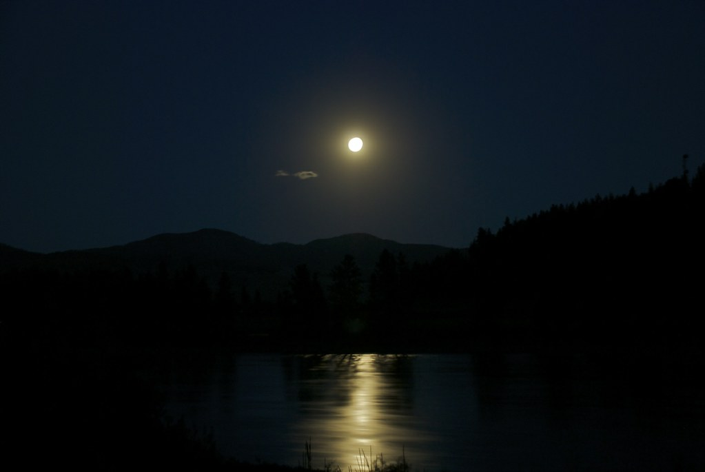 Moon and river | Montana Outdoors