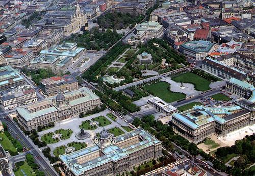 Ring y Hofburg en Viena desde el Aire