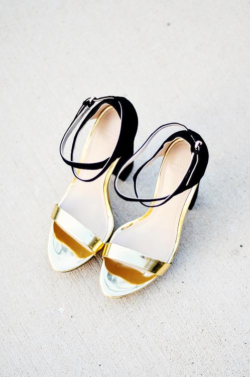 acupofmaiblackandgoldshoes-3