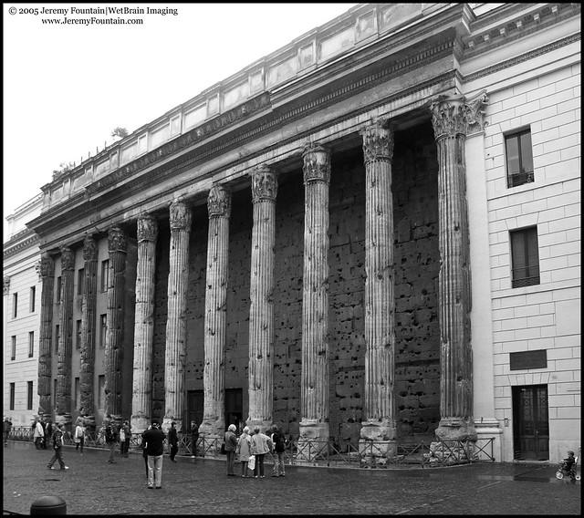 Tempio di Adriano (Temple of Hadrian) on Piazza di Pietra