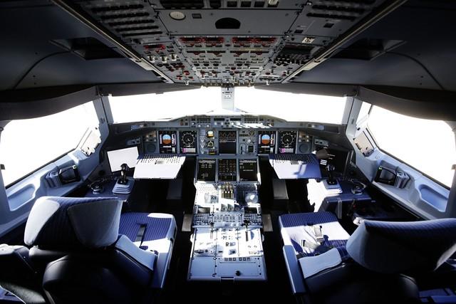 A380_Cockpit_9939