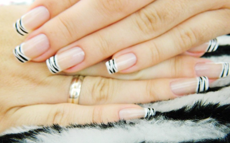 Juliana Leite nail art unha decorada francesinha com zebra 1