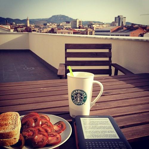 """Cafe, tostadas y """"Caballo de Troya"""" by rutroncal"""