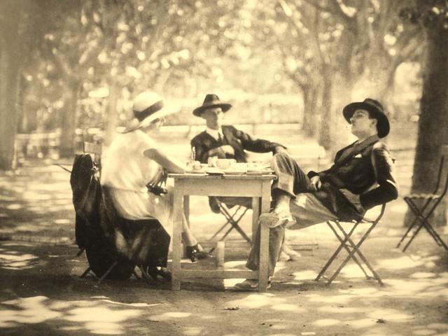 A memory of avignon 1926 e chambre hardman flickr for Chambre 13 film