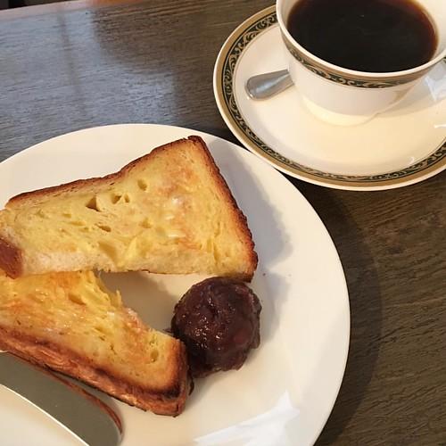 ライターさんと打ち合わせ。取材先困ったなぁ( ꒪⌓꒪) #morning #coffee #cafe #meeting #モーニング #喫茶店 #japan #japanese #breakfast