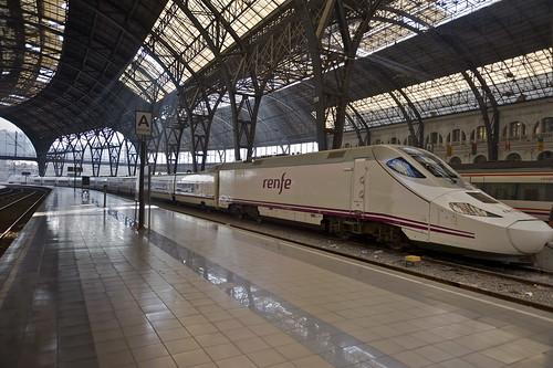 TrainLab Adaptadores de v/ías de ferrocarril de madera a tren Plarail verde ne/ón