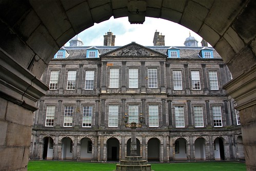 The Palace of Holyroodhouse 04