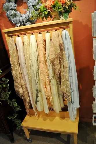 4 DIY Lace Projects - Scarf, Lace Projects, Dress, DIY Lace Projects, diy, Coco Chanel, Accessories