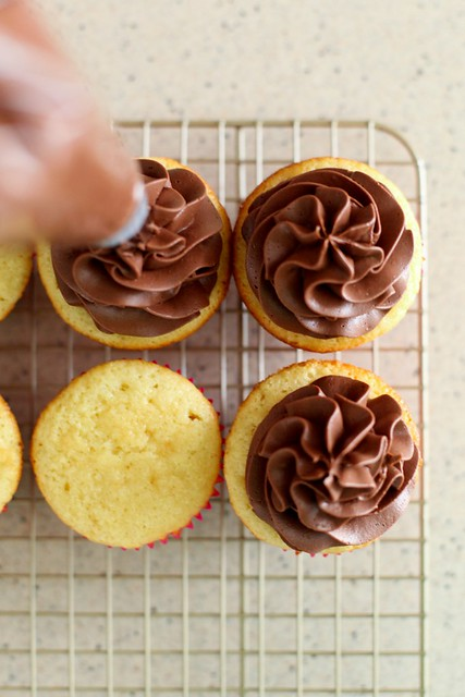 Cupcake Basics: Chocolate Frosting
