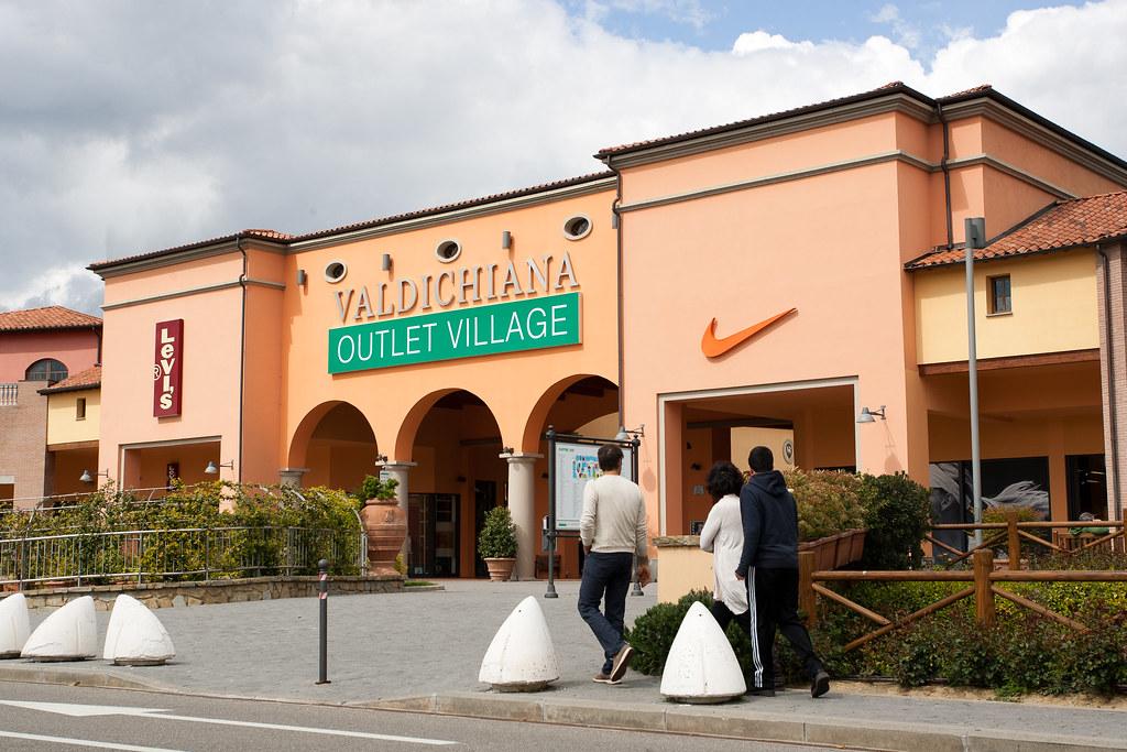 Itália para Mãos de Vaca - Valdichiana Outlet Village, o maior ...