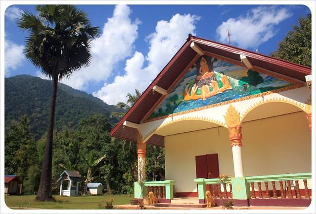 mountain temple muang ngoi neua