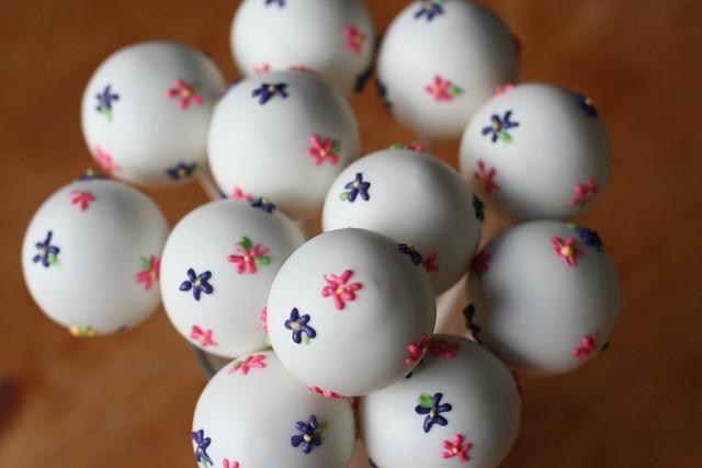 Sweet Floral Cake Pops