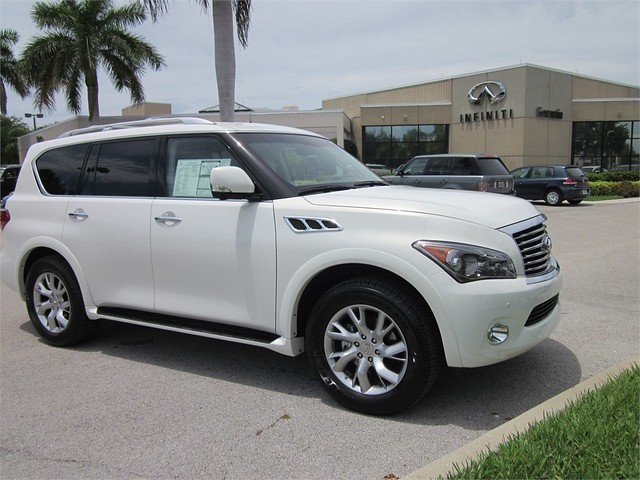 Get A Great Deal On This Brand New 2012 Infiniti Qx56 7