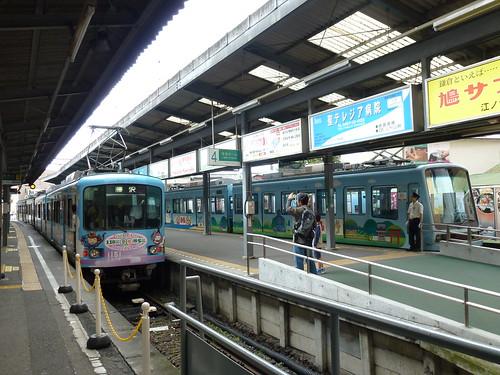 江ノ電501F+2003Fと、江ノ電21F+1101F@鎌倉